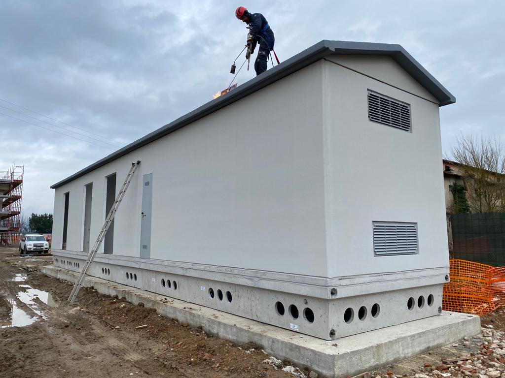 Cabina elettrica prefabbricata installazione Aboca
